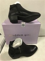 MADDEN GIRL WOMENS SHOES SIZE 6