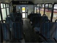 2006 FORD CRESTLINE E450 PARA-TRANSIT