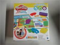 PlayDoh Shape & Learn - Shape a Story
