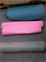 Lof of 3 Yoga Mats