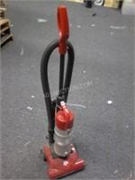 Dirt Devil Quick Lite Cyclonic Vacuum - Working