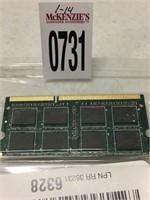 CRUCIAL 8 GB MEMORY (IN SHOWCASE)