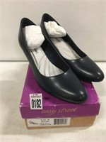 EASY STREET WOMENS SHOES SIZE 9.5