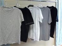 Lot of 5 Mens Asst T-Shirts Sz (2) S (1) M (2)