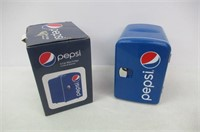 Pepsi GMF660 Portable Pepsi 6 Can Mini Fridge