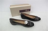 Clarks Women's 8.5 Candra Glare Flat, Black Patent