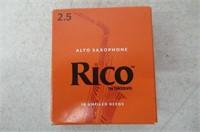 Rico by D'Addario Alto Sax Reeds, Strength 2.5,