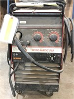 Lincoln Electric Wire-Matic 255 Wire Welder
