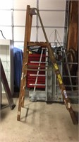 6' Step Ladder- Wooden