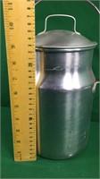 4 Quart US Leyse Aluminum Milk Container