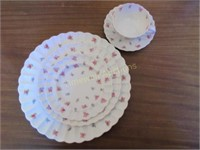 "Spode ""Dimity"" pattern dinnerware"