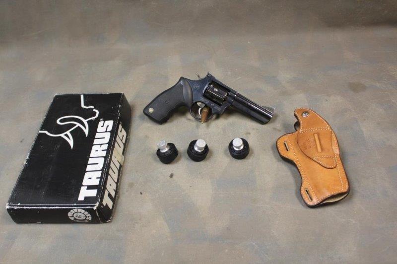 Taurus 66004 TE813297 Revolver  357 Magmun | Smith Sales LLC