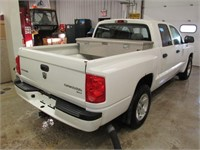 2011 DODGE DAKOTA SXT CREW CAB 4X2