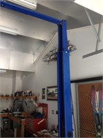 Vehicle lift hoist