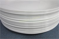 Approximately 15 Corelle plates