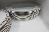 """Meakin dinner plates in the """"Gold Crown"""" pattern"""