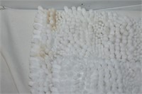 (2) White Mats (needs cleaning)