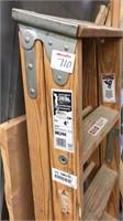 Wood 4 ft step ladder, 27 in step ladder