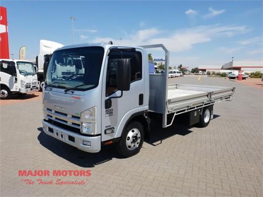 2014 Isuzu NPR 200 Major Motors - Trucks for Sale