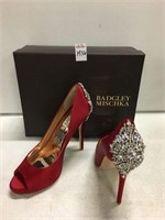 BADGELY MISCHKA WOMENS SHOES SIZE 9 (USED)