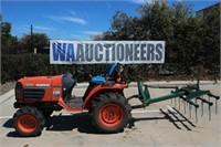 Kubota B7500 4x4 Tractor