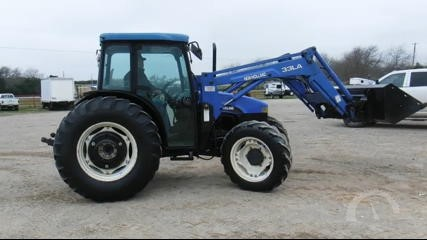 Lot # 7206 - NEW HOLLAND TN75S