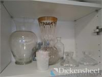 Assorted lot of glassware