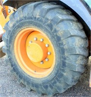 2001-02 Case 580 Super M Backhoe (view rear right tire)