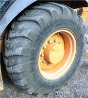 2001-02 Case 580 Super M Backhoe (view rear left tire)