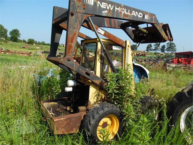 MachineryTrader com   NEW HOLLAND L555 Dismantled Machines