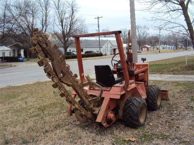 1984 DITCH WITCH 2300 For Sale In Carmi, Illinois