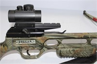 Jaguar crossbow, arrow quiver and pack of