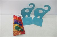 """As Is"" Lot of Farberware Color Magnetic Bag Clips"