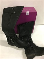 RAMPAGE WOMENS BOOT SZ 6.5