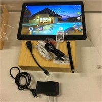 ANDROID TABLET (CRACKED SCREEN; SELLING AS-IS)