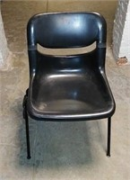 Plastic Side Chair, $5.00 Reserve