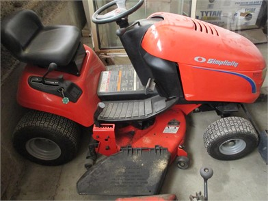 Simplicity Riding Lawn Mowers Auction Results - 23 Listings