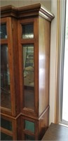 Beautiful 2 tier ligjted curio cabinet approx 6