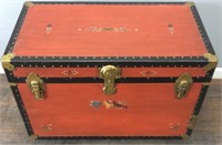 VINTAGE RED TRUNK/LEATHER HANDLES
