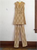 VINTAGE CLOTHING ESTATE ONLINE AUCTION