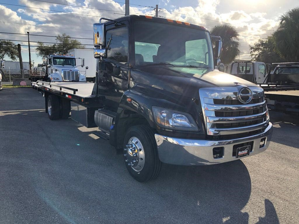 Pre-Owned 2015 HINO 258