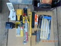 LOT ASSORTED TOOLS / MISC. HARDWARE