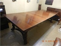 SOLID WALNUT DINING TABLE / PAWFEET / 6 LEAVES