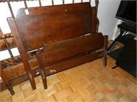 "MAPLE SINGLE BED 39"" / RAILS"