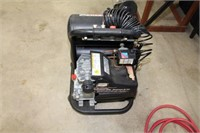 Powerbilt portable air compressor with hose