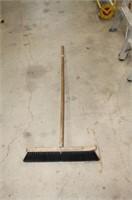 "18"" shop broom"