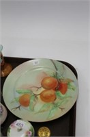 TRAY OF DECORATOR DISHES