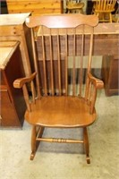 MAPLE ARM ROCKING CHAIR
