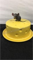 Ceramic cheese plate mouse has a chip on ear