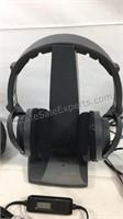 Wireless headphones, wired headphones, FM